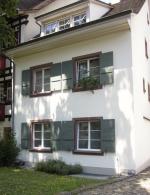 Denkmalgeschutzte Liegenschaft- Im OG neue Holzfenster mit extra schmaler Ansicht gem. Denkmalpflege